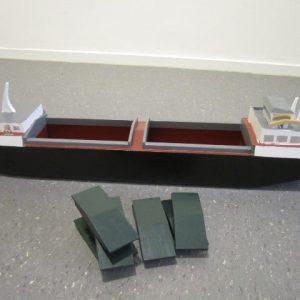 Speelgoed Houten Binnenvaartschip met 2 ruimen