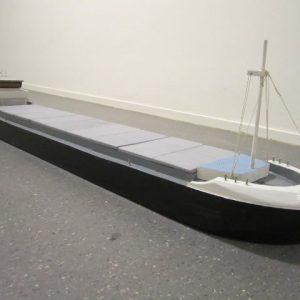 speelgoed houten binnenvaartschip