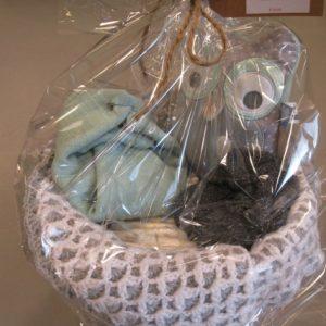 Luiertaart met sokjes, deken en knuffel - De Hoop Maatwerk