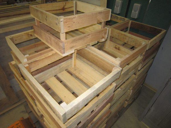 Seriewerk houten producten bij De Hoop Meubelmakerij 1